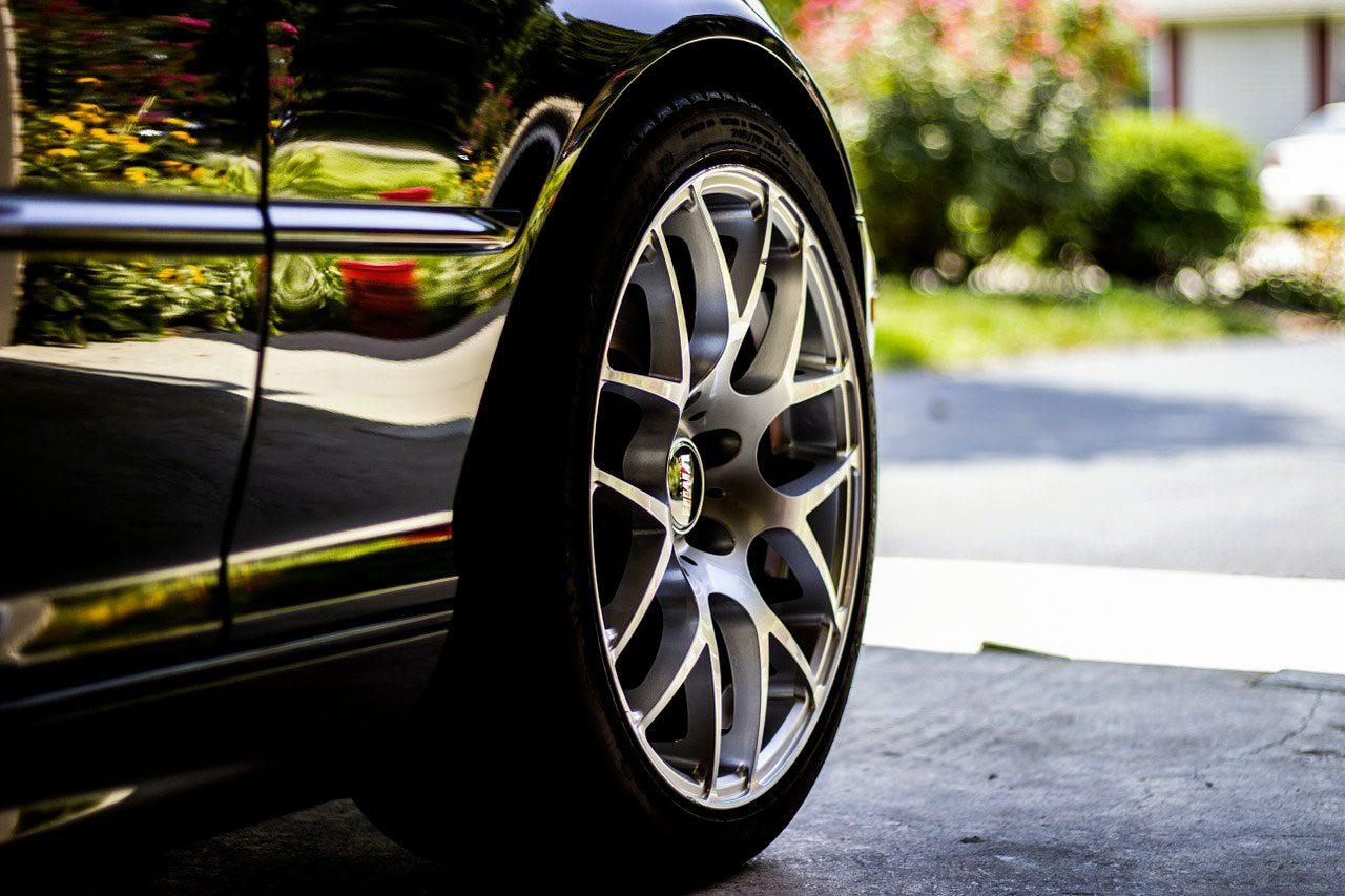 quelques conseils pour choisir le bon pneu pour votre voiture. Black Bedroom Furniture Sets. Home Design Ideas